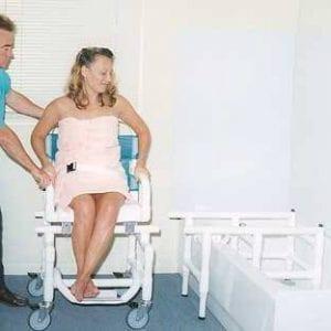כסא העברה לאמבטיה