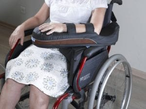 תמיכת גפה עליונה לכסאות גלגלים