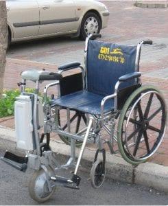 אמינוב – כיסא גלגלים ממונע מתקפל ומתפרק