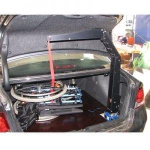 מתקן הרמה לקלנועית או כיסא גלגלים