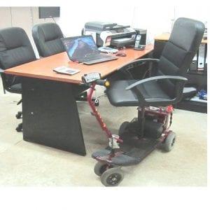אופיס 1 – כיסא משרדי ממונע