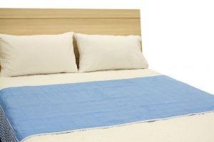 ברוֹלִי עם כנפיים למיטה זוגית – סדינית מגן רב פעמית