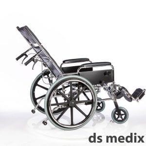כסא גלגלים עם הטיה