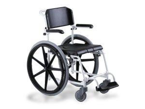 כסא שרותים להנעה עצמית