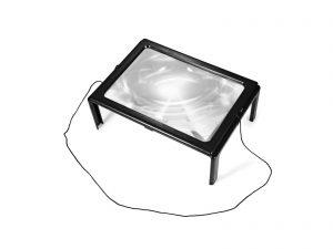 זכוכית מגדלת עם רגליים,תאורה וחוט לצוואר